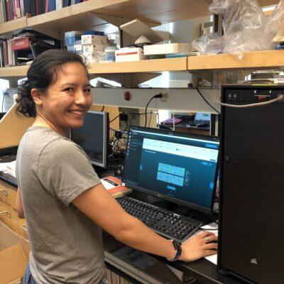 Snutch lab tech, Gabrielle Jayme, running the MinION sequencer
